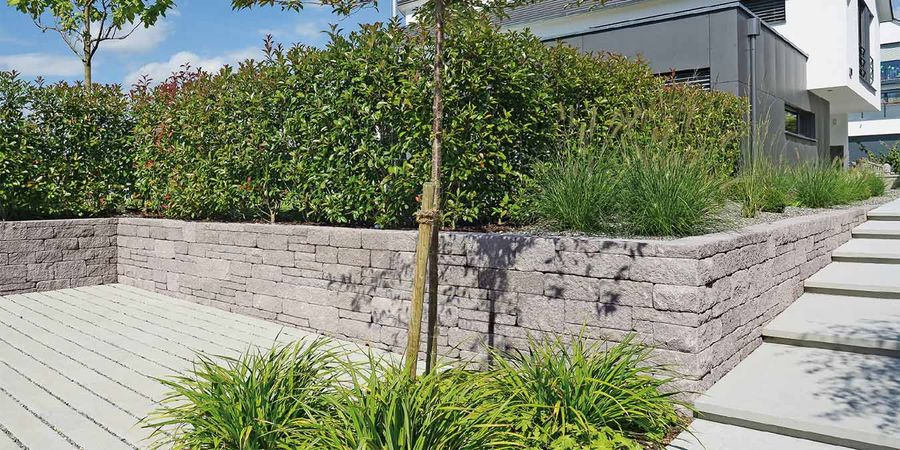 mauerabdeckungen beton granit naturstein oder ziegel. Black Bedroom Furniture Sets. Home Design Ideas